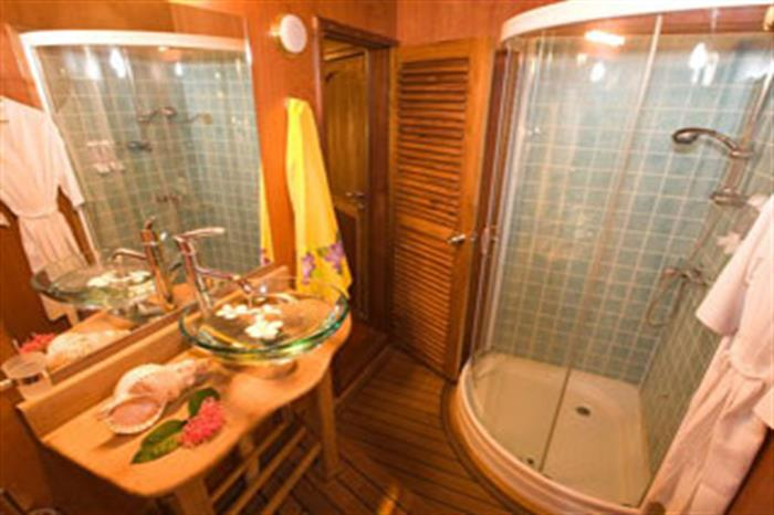 En-Suite Bathrooms - Ocean Divine Maldives