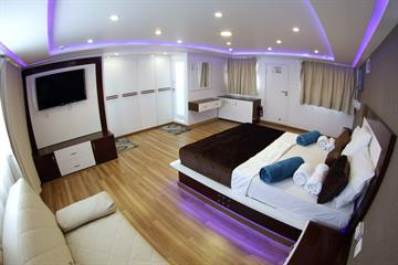 Executive Suite Emperor Elite