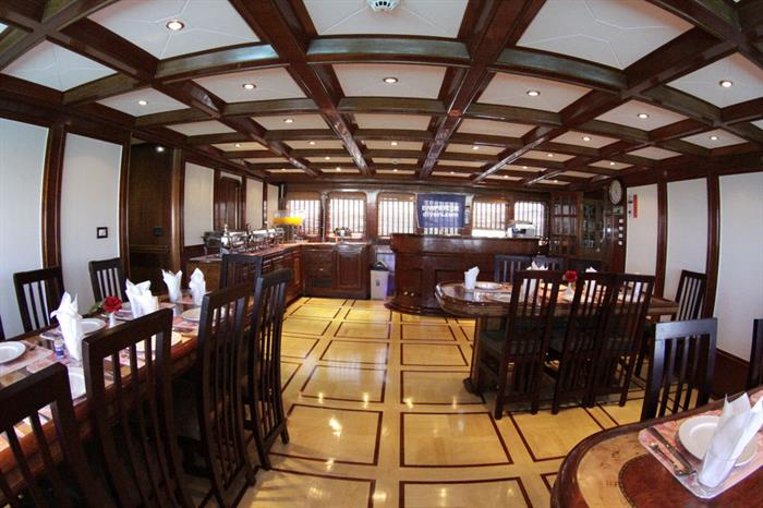 Dining Room - Emperor Superior