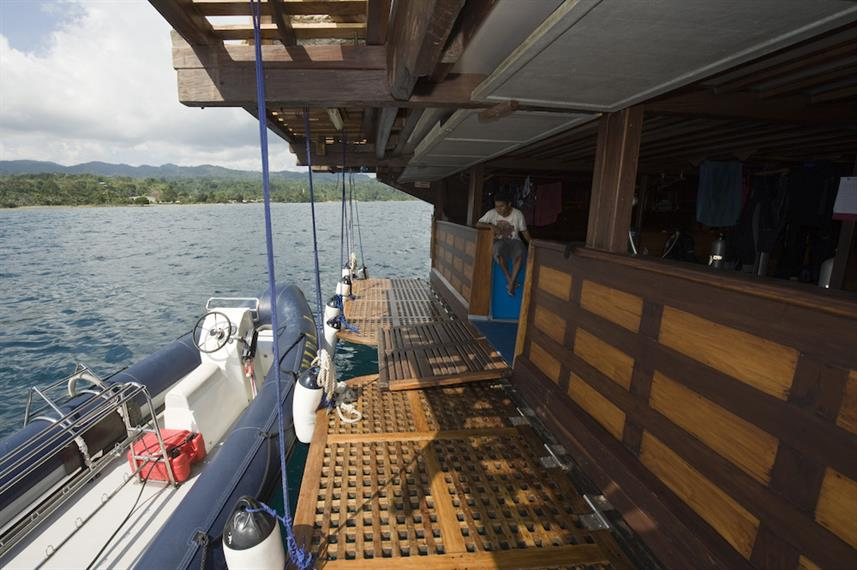 dive deck and tender - Amira Liveaboard