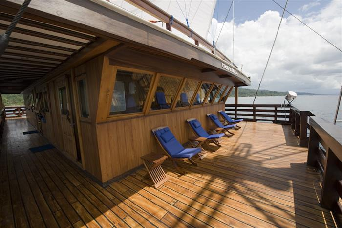 Captains Deck - Amira Liveaboard