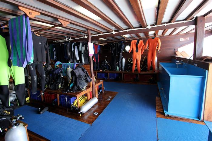 Dive deck and gear storage - Amira Indonesia