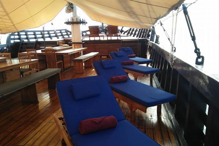 Main Deck Hangout - Amira Indonesia