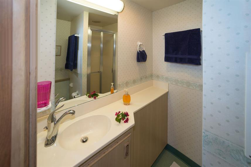 En-Suite bathrooms - Turks and Caicos Explorer