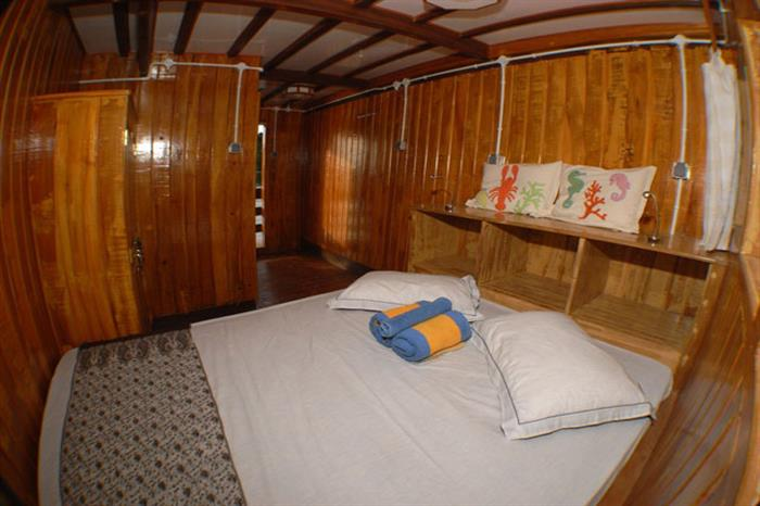 Lower deck cabin - Sunshine Liveaboard