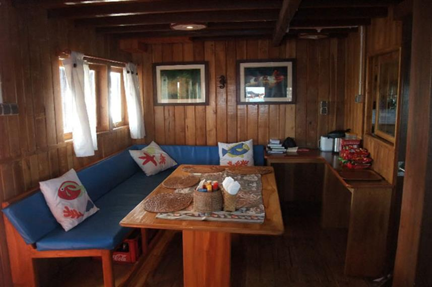 Indoor Salon - Sunshine Liveaboard