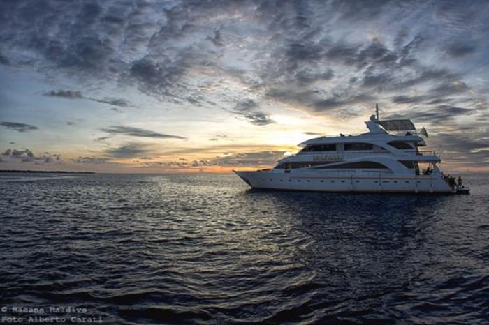 Enjoy amazing sunsets onboard Princess Dhonkamana