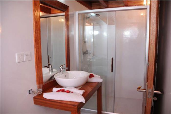 En-suite bathrooms - Princess Rani
