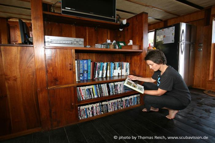 Library aboard the Pindito Liveaboard Raja Ampat