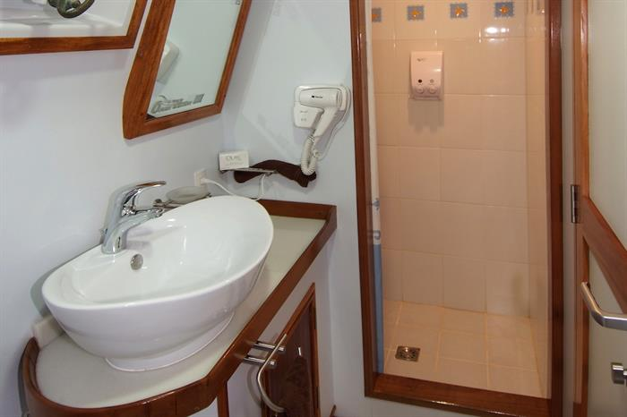 En-Suite facilities - Ocean Hunter 3