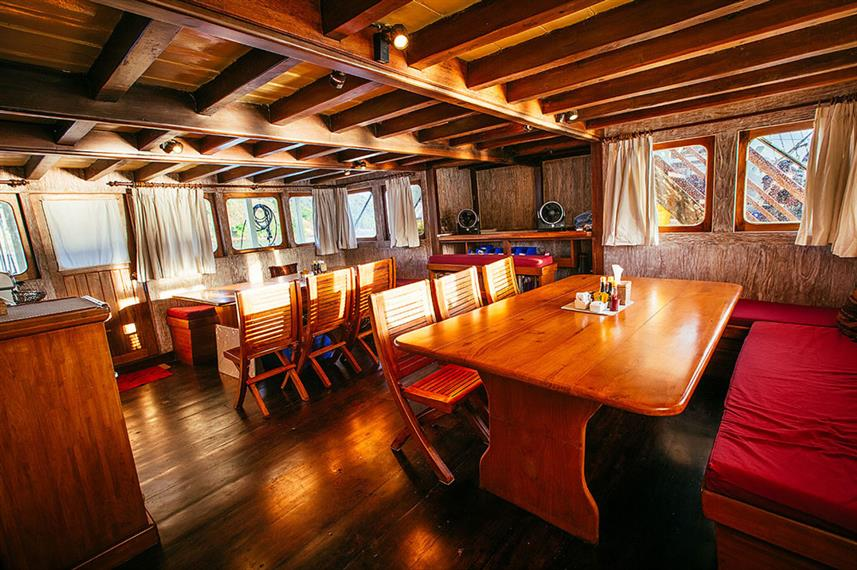 Dining Room - Seven Seas