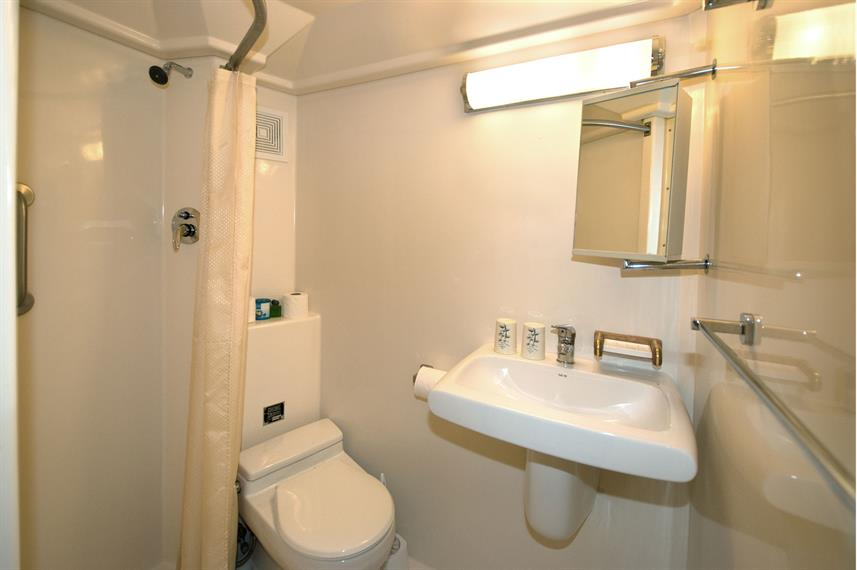 En-Suite bathrooms - Atlantis Azores