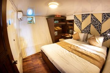 Lower Deck Double Cabin