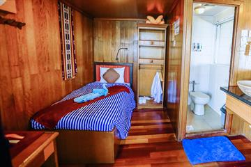 Middle Deck Single Cabins