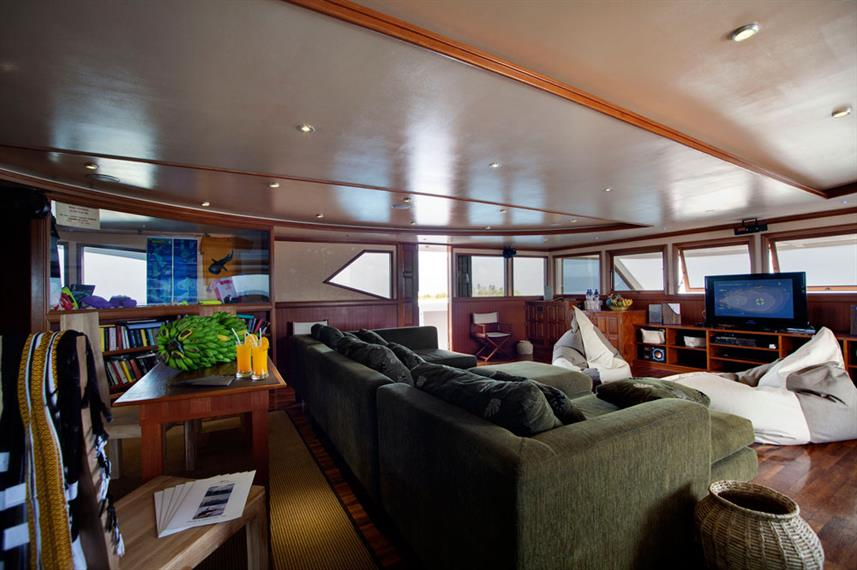 Indoor salon - Duke of York Liveaboard