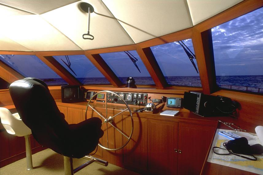 Captains Helm - Panunee Liveaboard