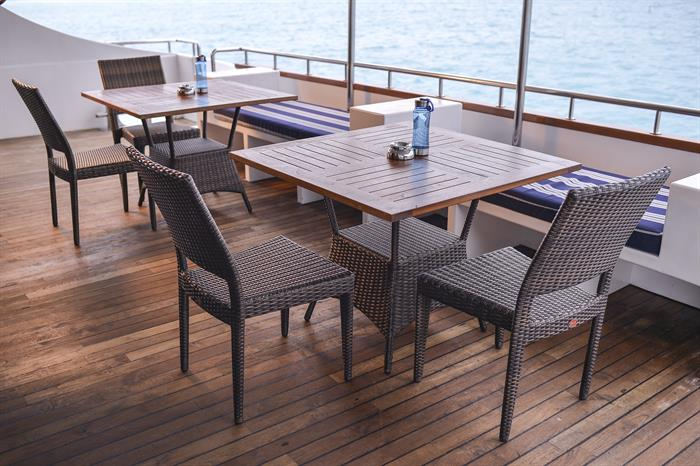 Outdoor Dining - Carpe Diem Liveaboard