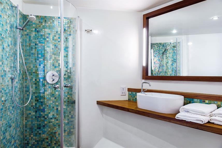En-Suite bathrooms - Scubaspa Ying