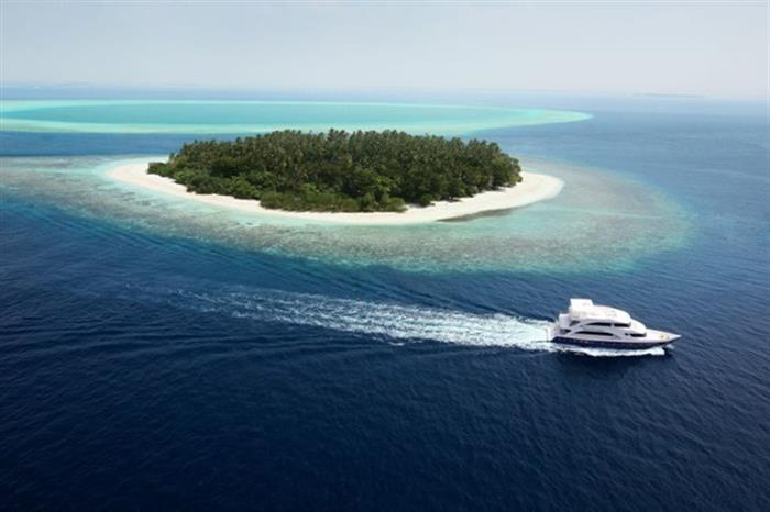Emperor Voyager in the Maldives