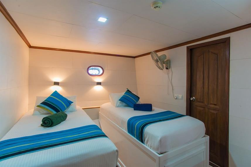 Lower Deck Twin Cabin - Emperor Voyager