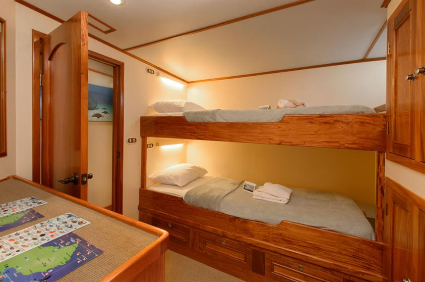 Double Cabin - Sea Hunter