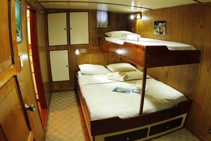 Sea Hunter Liveaboard Double Cabin