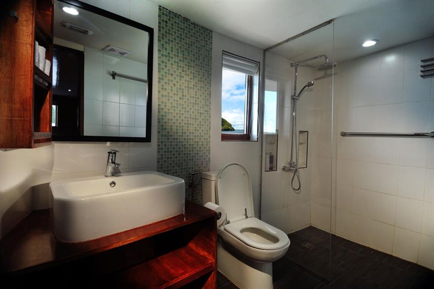 En-Suite bathrooms - Solitude One