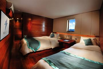 Solitude One Liveaboard Deluxe Twin cabin
