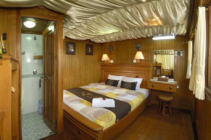 Lower deck double cabin - Sea Safari VI Indonesia