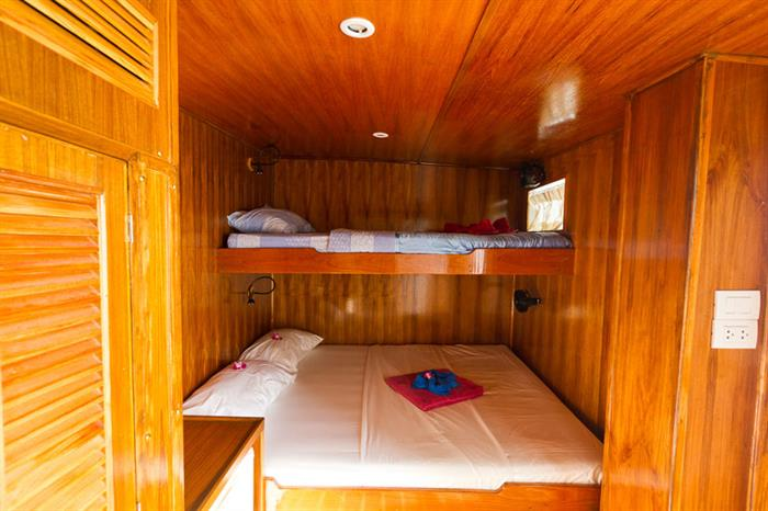 Giamani Liveaboard deluxe cabin on Main deck