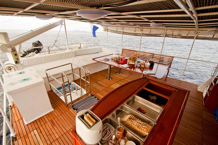 Giamani Liveaboard Upper deck area
