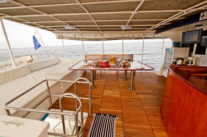 Upper deck area Giamani Liveaboard