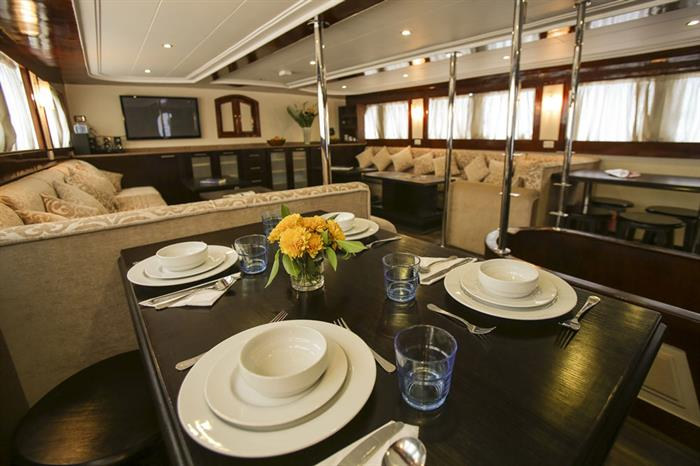Restaurant - South Moon Liveaboard
