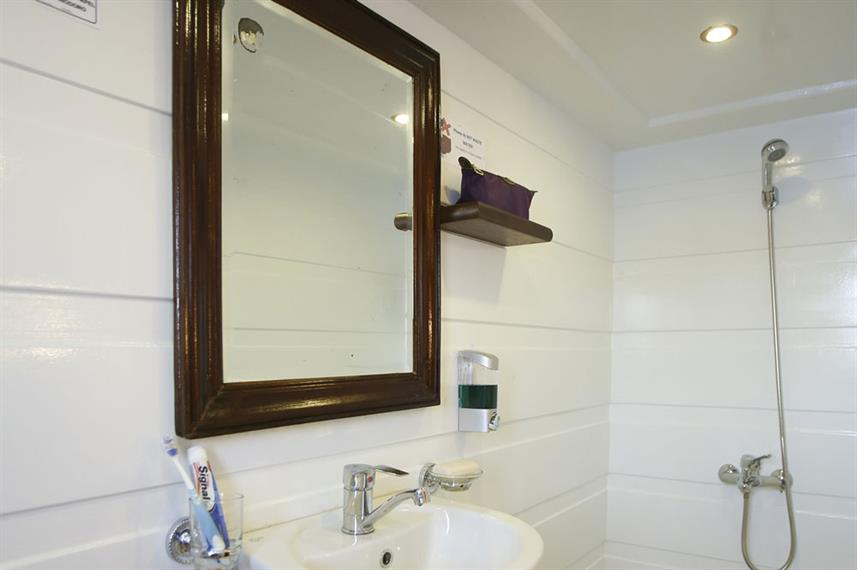 En-Suite bathrooms - South Moon