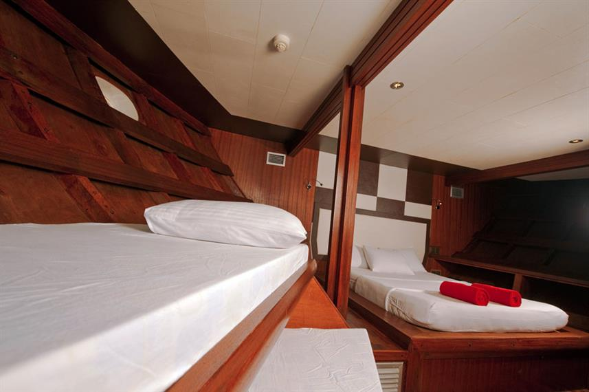 Lower Deck Cabin - Theia Live Aboard