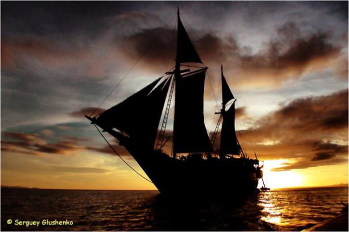 Beautiful Indonesia sunsets aboard the SMY Ondina Indonesia