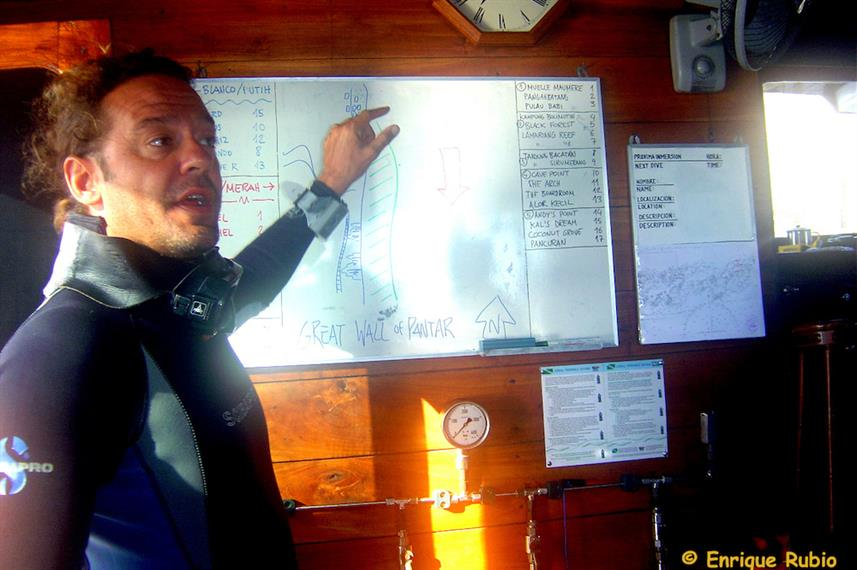 Detailed dive briefing aboard the Ondina Indonesia