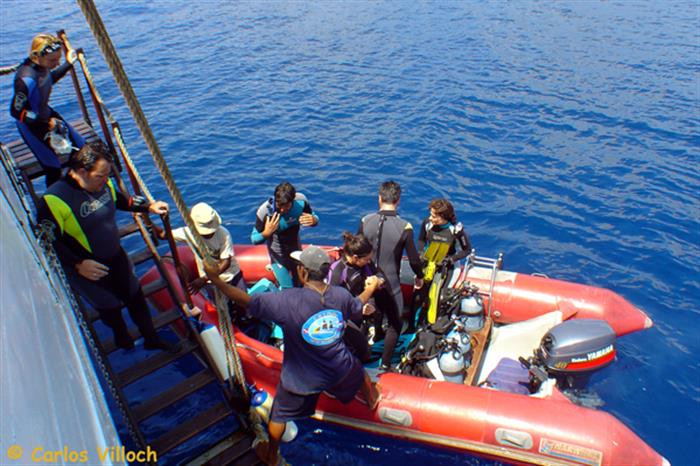 Boarding the dive tender