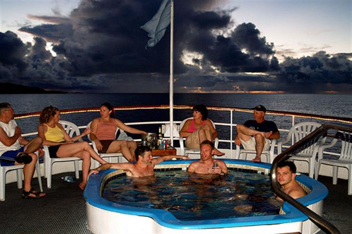 Hot Tub - Thorfinn Liveaboard