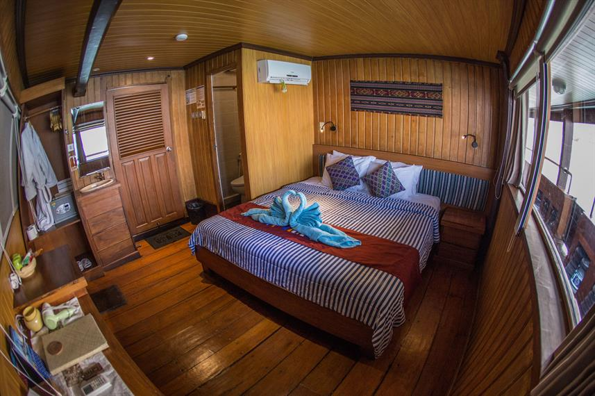 Upper Deck Cabin - Sea Safari VII