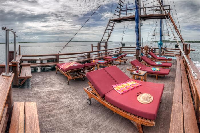 Sun deck with comfortable loungers - Sea Safari 8 Indonesia