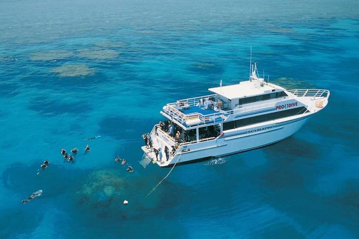 Dive amazing reefs on the Great Barrier Reef - ScubaPro III
