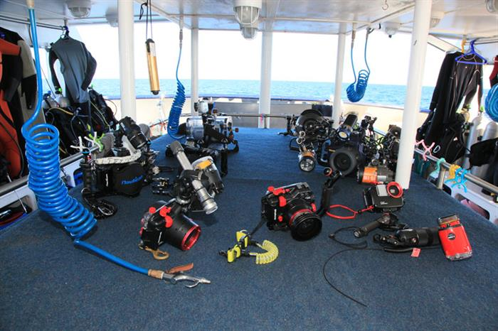 Camera table - MV Valentina Liveaboard