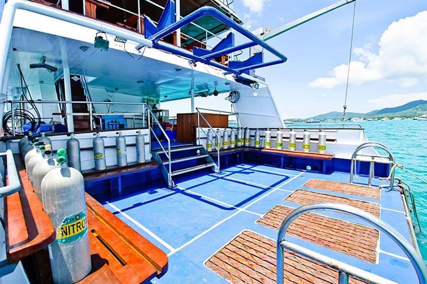 Dive Platform - Deep Andaman Queen