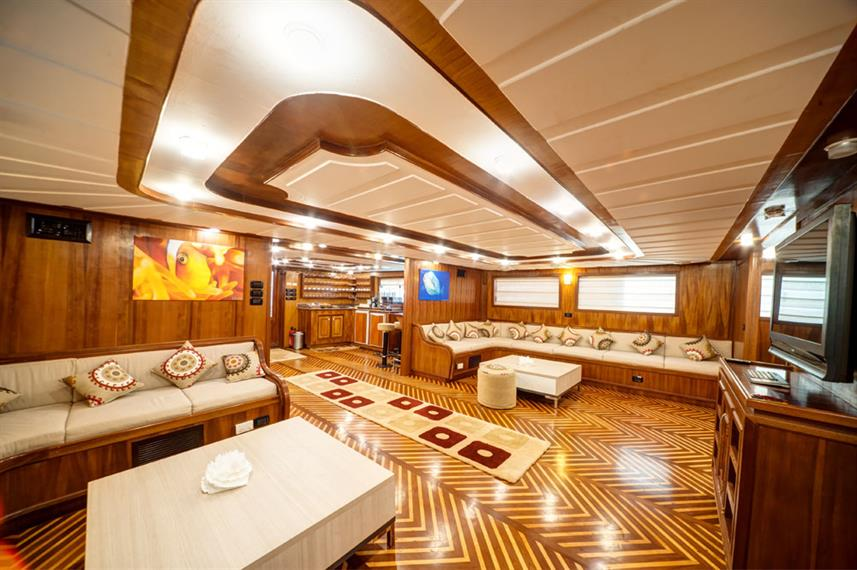 Lounge - Golden Dolphin II Egypt Liveaboard