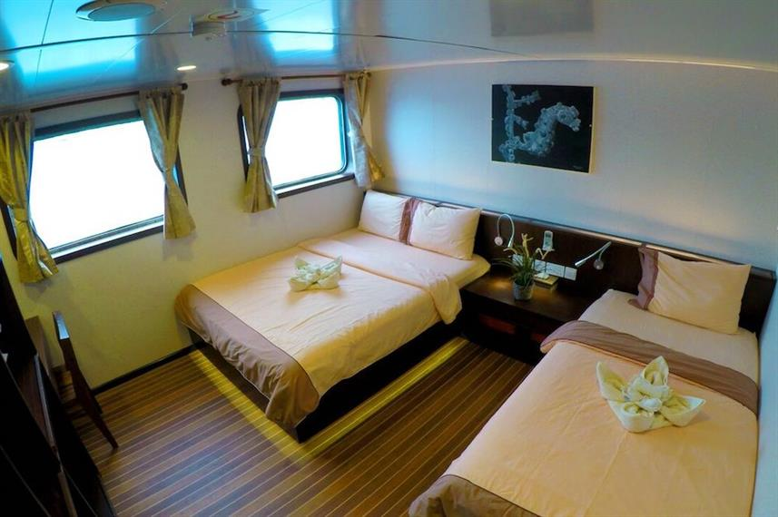 Main Deck Cabin - Blue Manta