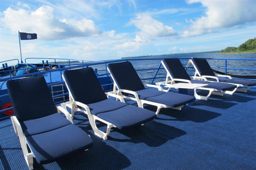 Sun loungers on Bilikiki Liveaboard