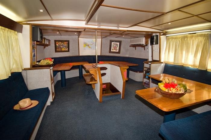 Indoor lounge/dining salon - Febrina liveaboard