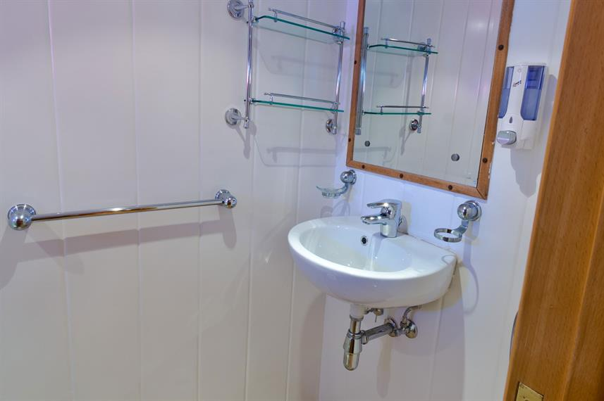 En-Suite bathrooms - Snefro Pearl