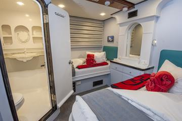 Red Sea Adventurer Twin Cabin